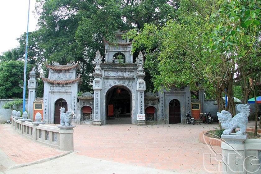 Cổng Đền Mẫu