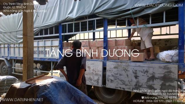 Đá trang trí Thanh Hóa trên xe tải