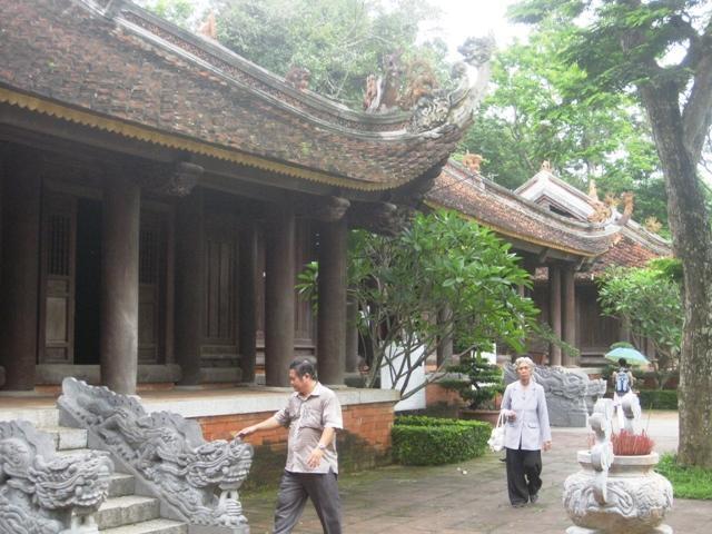 Các tòa thái miếu được phục dựng ở Lam Kinh.